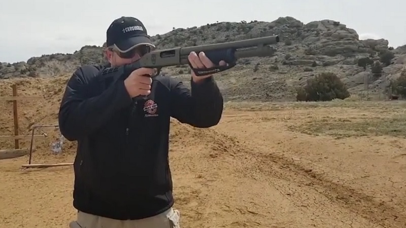 Mossberg Shotguns Shockwave on the Range
